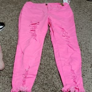 Nwt hot pink distressed skinny Jean's. Size 3x